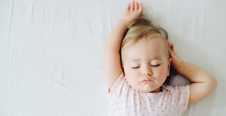 Comme habiller bébé pour dormir suivant les saisons