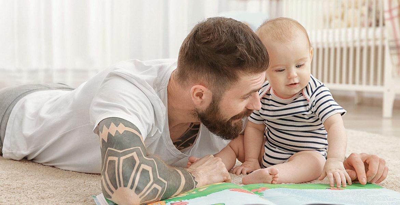 Lire des histoires et des comptines à bébé